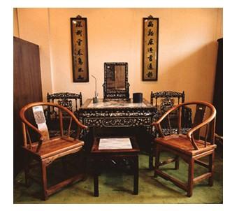 古代家具,大家首先想到的都是古色古香的木制桌椅