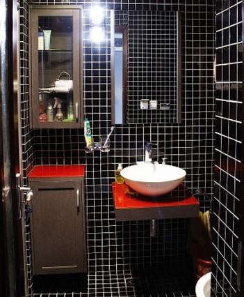 红黑经典搭配营造个性卫浴间-设计潮流-上海装潢网