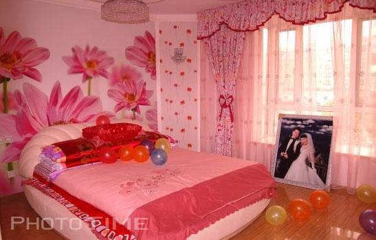 背景墙 房间 家居 设计 卧室 卧室装修 现代 装修 547_349图片