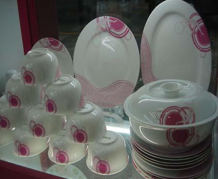 怎样选购陶瓷餐具