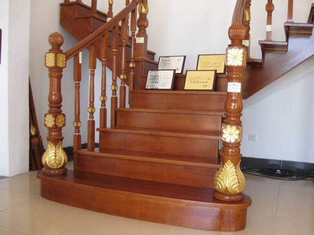 及实木楼梯3种;超耐