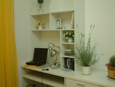 装潢房间设计图带书桌