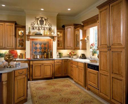 橱柜,其精湛的技术在一些花边角的处理和漆的色泽上