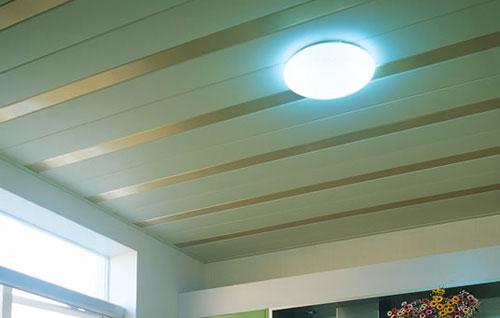 如何选购厨房卫浴的铝扣天花板