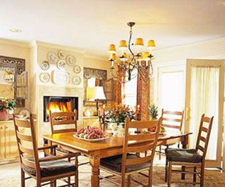 仍桌也是欧式餐厅不可缺少的装饰元素