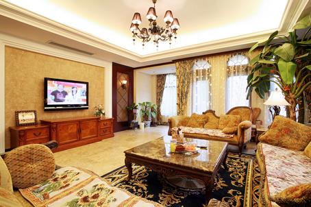 其它采用了镜面造型、墙纸及石膏顶角线装饰;客厅立面采用高清图片