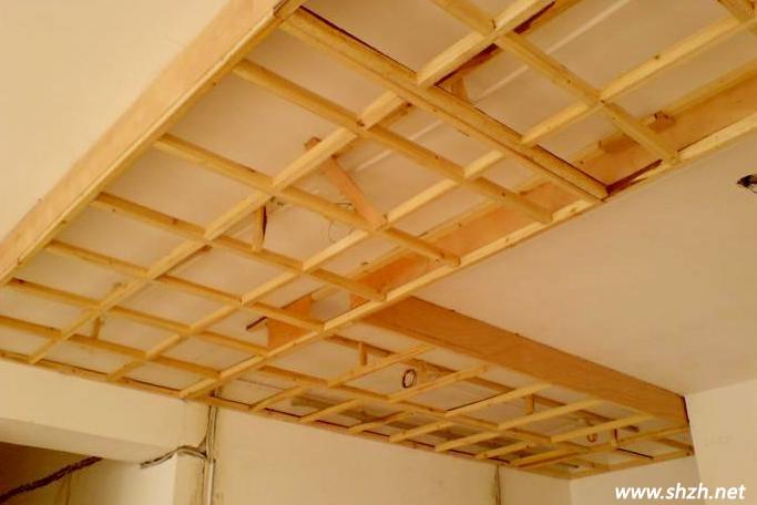 木龙骨吊顶施工工艺-土拨鼠装饰网;