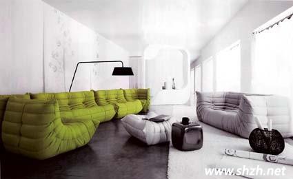 回归自然在近几年的装修设计中被赋予新观念,绿色是最能代表大自然的颜色,更是夏日盎然气息的重要点缀,以具有高亮度与彩度的嫩绿色系居家用品为摆设,整体视觉如同送走寒冷的冬季,迎接大地充满生生不息的朝气,让整个空间充满愉悦感。  造型独特的双脚椅,以高密度泡棉材质打造一体成行,无接缝而富有弹性的特色座椅。  系统橱柜运用大地绿色背板,让居家整体营造出自然休闲风的感觉,并利用深浅色泽传达居家生活的层次与质感。  户外生活是现代人不可或缺的心灵要素,透过充满大自然绿意的户外家具,让居家的户外或某个角落都有户外生活的休闲情调。  在居家空间中换上季节色彩其实无需大费周章,例如一个雅朴陶瓷花器再点缀翠绿的墙面,让空间协调而充满自然气息。  以白色墙面,灰色地板为基调的居家空间,让整体主调落在绿色的绉摺沙发,大器不失质感。   在如此附有朝气的居家空间内,人的心情也无形的变得更加美好。对待学习和工作也会更加有热情。